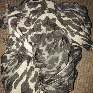 Accessories - subtle leopard scarf